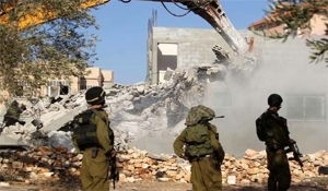 Jewish soldiers demolish mosque
