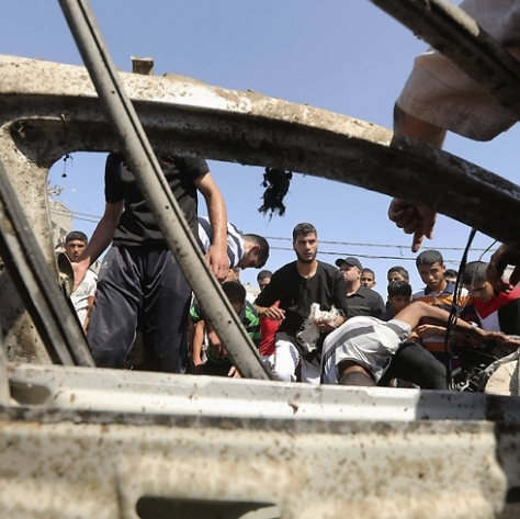 Car of Gazan men assassinated by Jewish soldiers