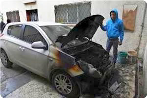 Car of Palestinian destroyed by Jewish soldiers