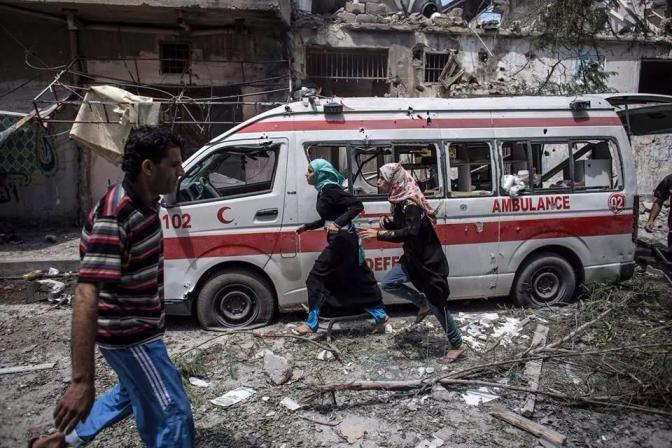 Gaza - 20 July another ambulance attacked by Jewish military in al-Shujaiya