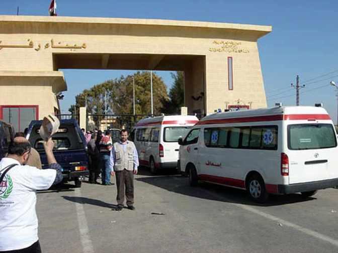 Gaza - ambulances lined up at Rafah border crossing