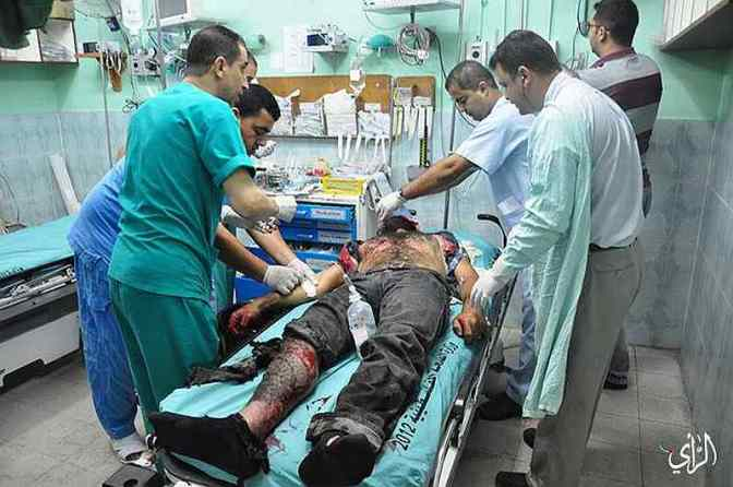 Gaza- hospital, man burned by Jewish military strike