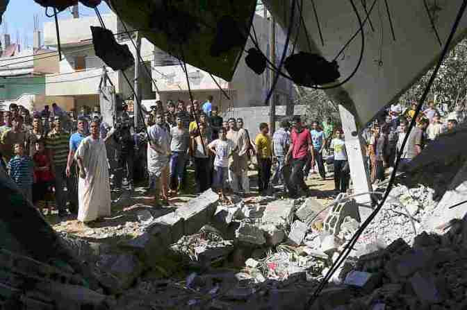 Gaza - house destroyed in Khan Younis