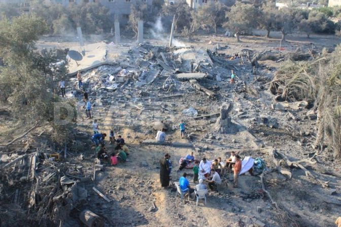 Gaza Khan Younis - Jews flying F16 destroyed their home 2014