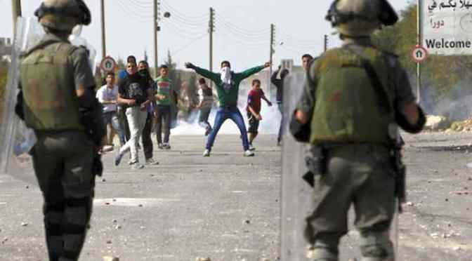 14 Palestinians Injured in Clashes in Ramallah, el-Bireh Villages