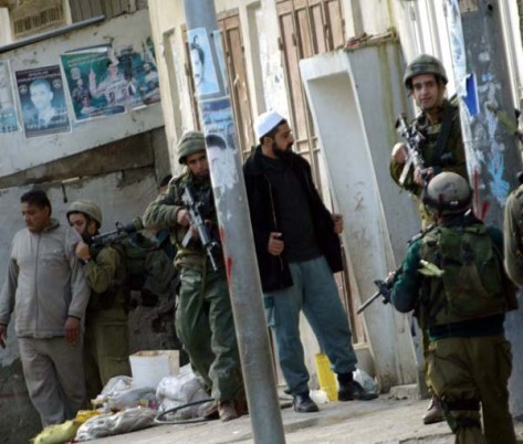 Jewish soldiers using human shields in Balata refugee camp near Nablus Dec 2003-Jan 2004