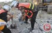 rescuers pul dead little girl from rubble