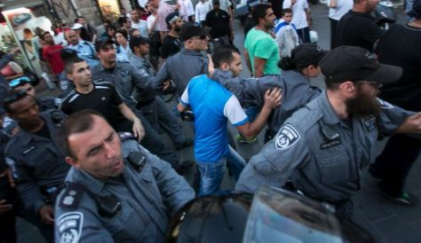 Violent Jews rampage through al-Quds in anti-Palestinian pogrom