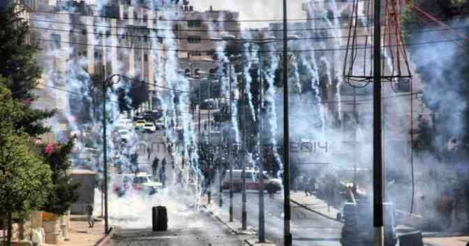 Bethlehem 8 August IOF shooting tear gas